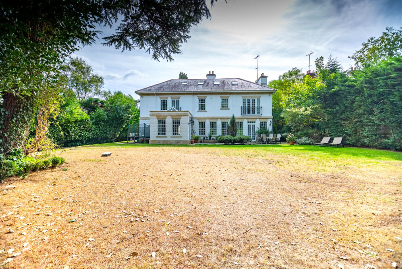 House for sale in Sunningdale - Friary Road, Ascot, Berkshire, SL5