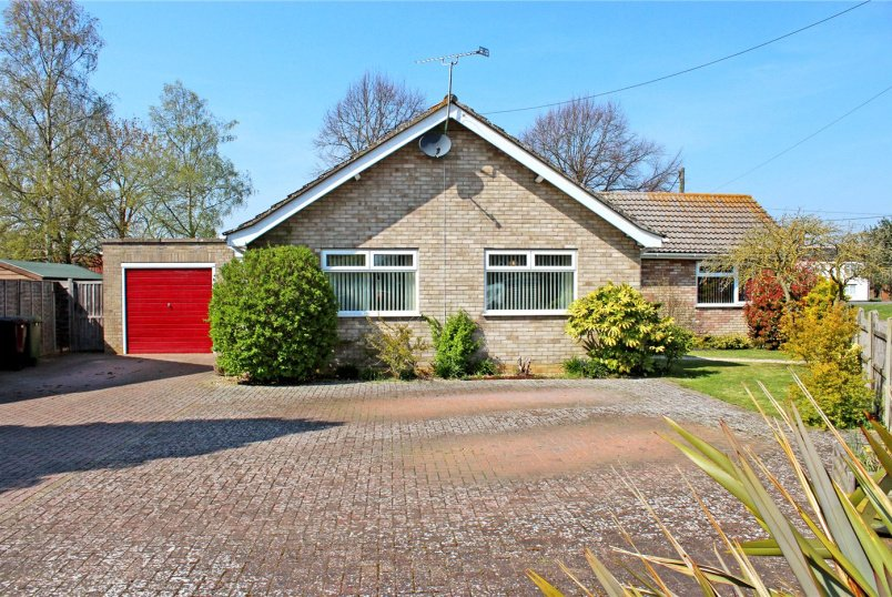 Bungalow for sale in Southwold - Waveney Crescent, Earsham, Bungay, NR35