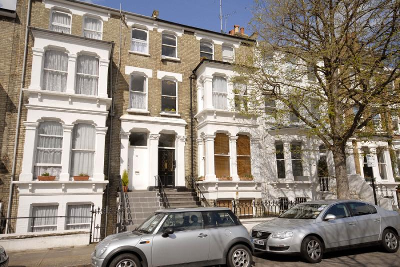 Flat/apartment to rent in Hammersmith - Westwick Gardens, Brook Green, W14