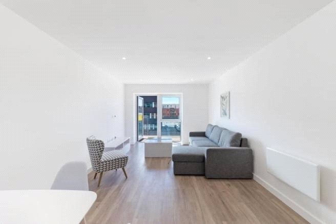 Flat/apartment to rent in Hendon - Castleton House, Beaufort Park, Colindale, NW9