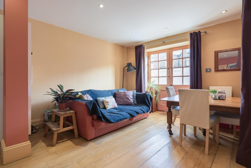 Flat to rent in Clapham - WELMAR MEWS, SW4
