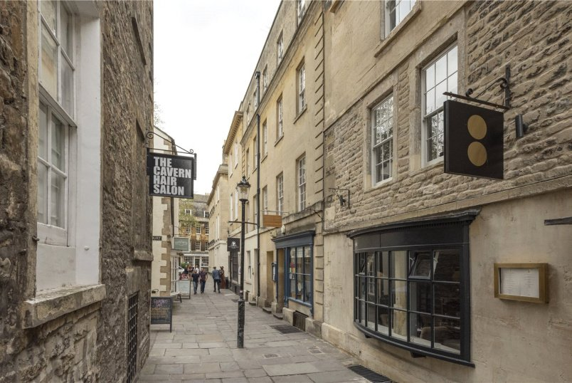 Maisonette for sale in Bath - North Parade Passage, Bath, Somerset, BA1