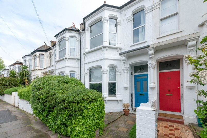 House for sale in Kensal Rise & Queen's Park - Langler Road, London, NW10