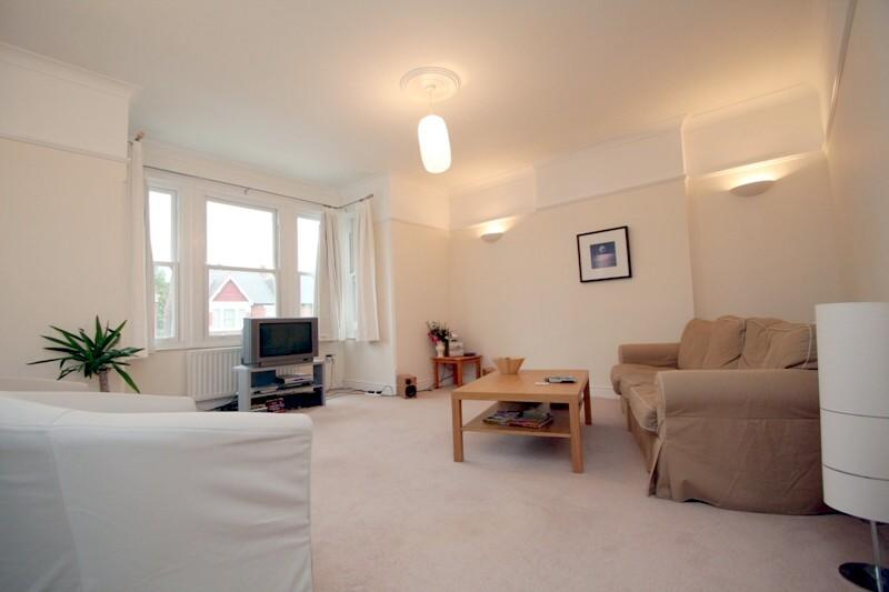 Flat/apartment to rent in Ealing & Acton - Twyford Avenue, Ealing Common, W3