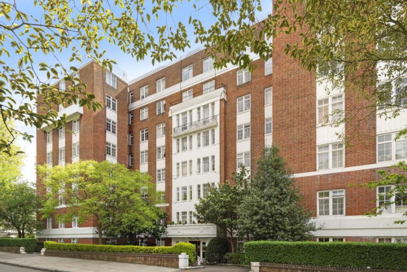 Unspecified for sale in St Johns Wood - LANGFORD CORT, LONDON, NW8 9DN
