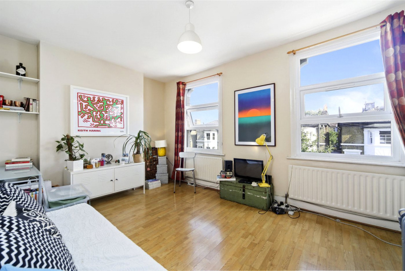 Flat/apartment to rent in Shepherds Bush & Acton - Starfield Road, Shepherds Bush, W12