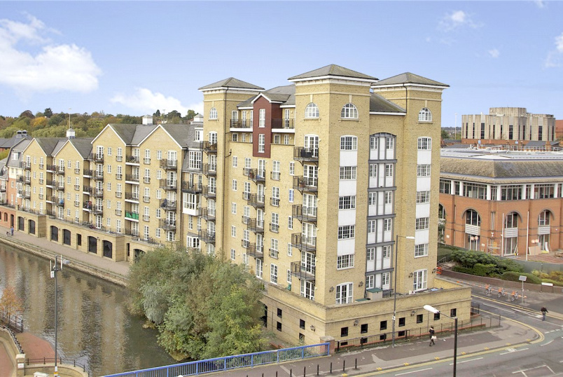 Flat/apartment for sale in Reading - Riverside House, Fobney Street, Reading, RG1