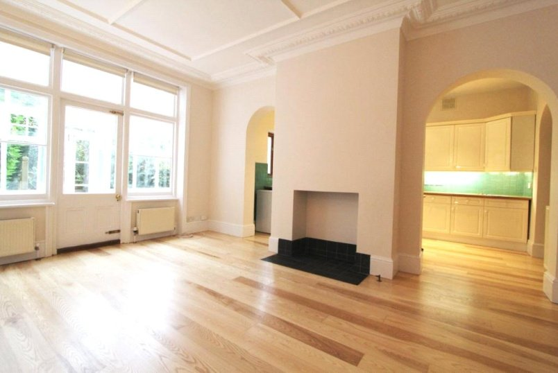 House to rent in Ealing & Acton - Hale Gardens, Acton, W3