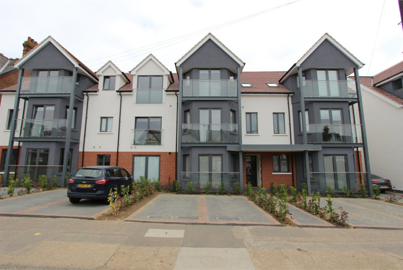 Flat/apartment to rent in  - Balmoral Apartments, 30-36 Valkyrie Road, Westcliff-on-Sea, SS0