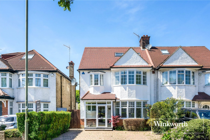 House for sale in Finchley - Manor View, Finchley, N3