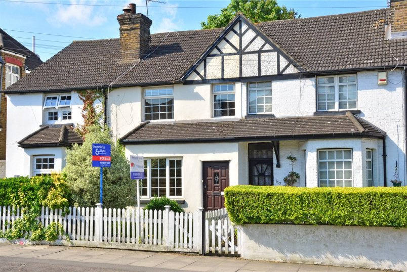 House for sale in Chislehurst - White Horse Hill, Chislehurst, BR7