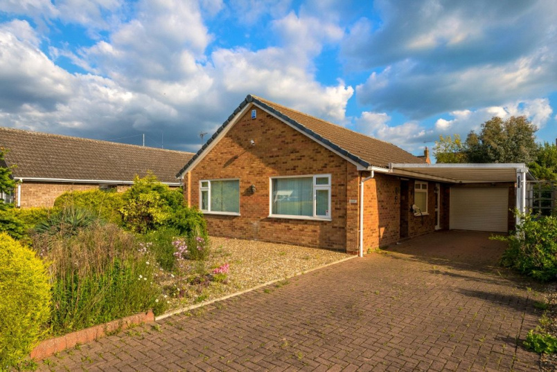Bungalow for sale in Bourne - Saxon Way, Bourne, PE10