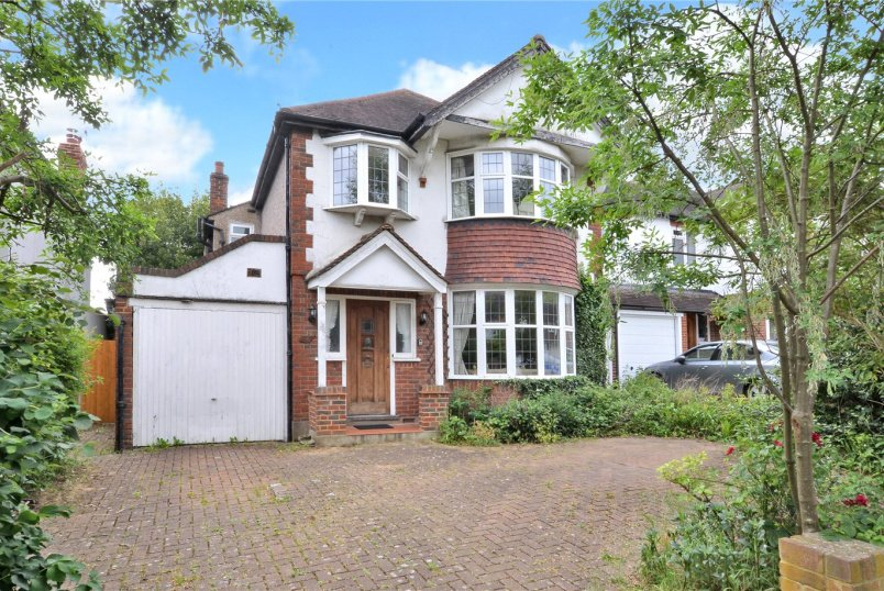 House for sale in Worcester Park - Kingsmead Avenue, Worcester Park, KT4