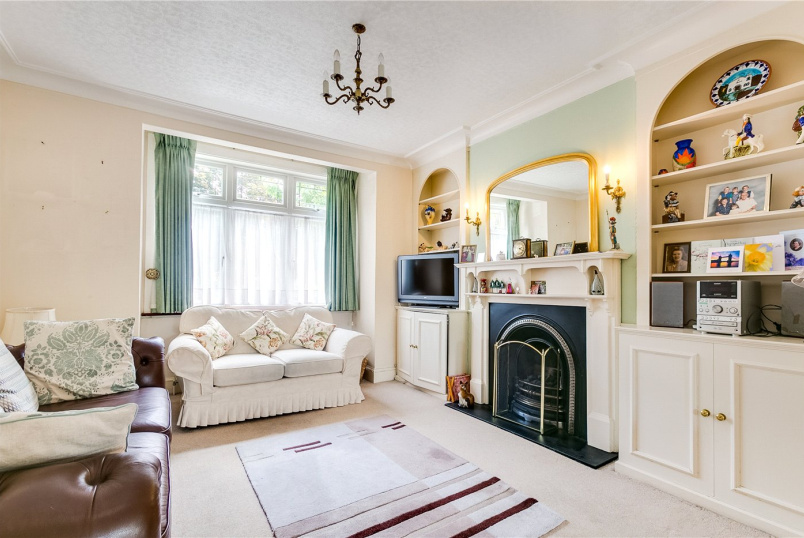 House for sale in Fulham & Parsons Green - Sulivan Road, London, SW6