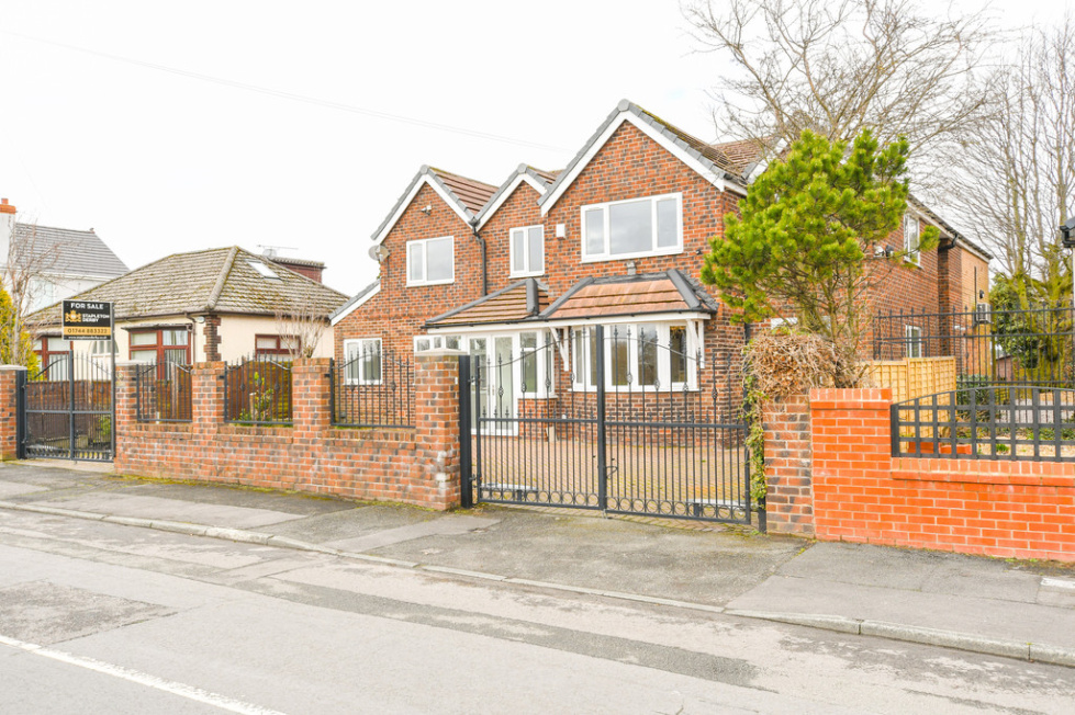 Peachy 5 Bedroom Property For Sale In Moss Lane St Helens 579 950 Download Free Architecture Designs Scobabritishbridgeorg