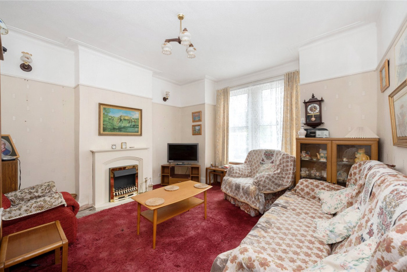 House for sale in Tooting - Pevensey Road, London, SW17