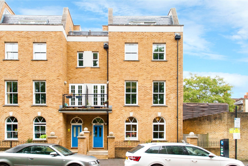 Flat/apartment for sale in Hackney - Clapton Square, London, E5