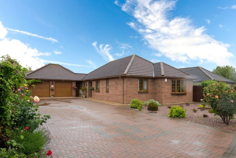 Bungalow for sale in Bourne - Mountbatten Way, Bourne, Lincs, PE10