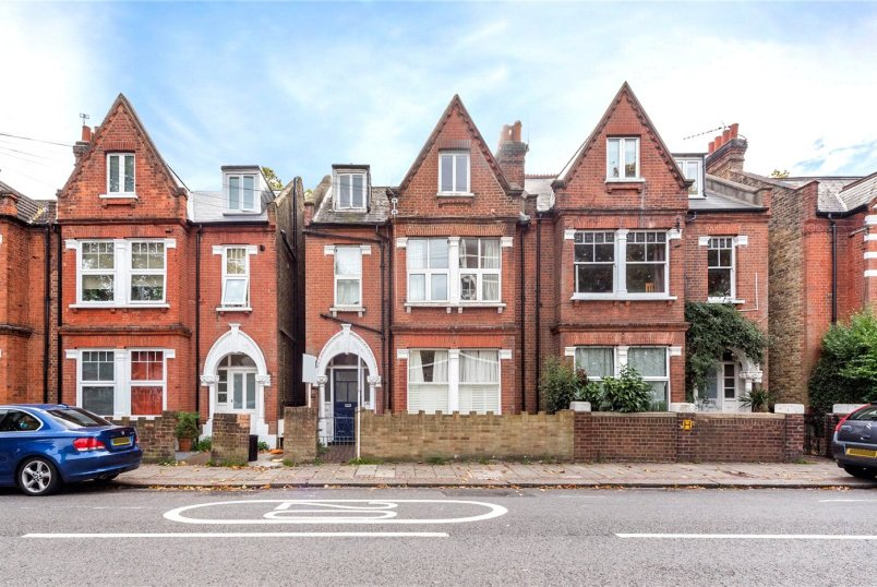 Flat/apartment for sale in Tooting - Franciscan Road, London, SW17