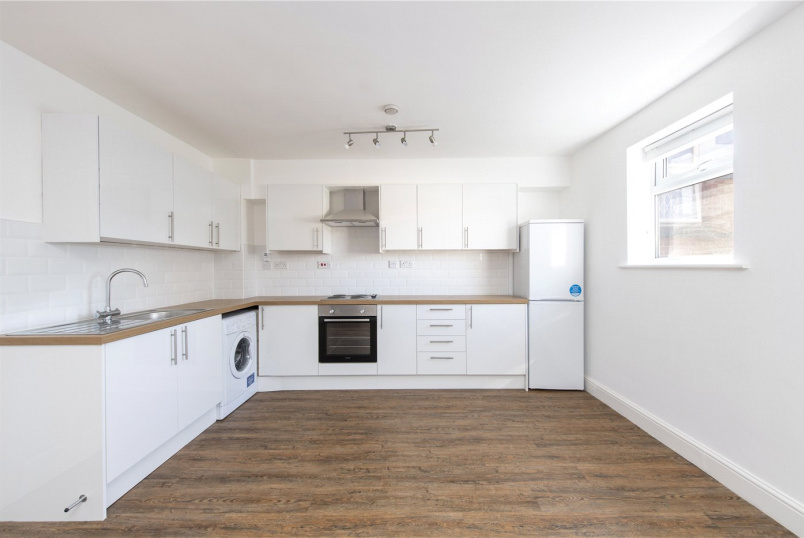 Flat/apartment to rent in Streatham - Rutford Road, London, SW16