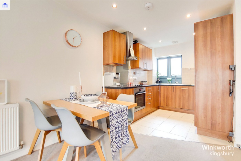 Flat/apartment for sale in Kingsbury - Hannah Court, Sunningdale Gardens, London, NW9