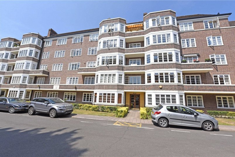 Flat/apartment to rent in Southfields - Exeter House, Putney Heath, London, SW15