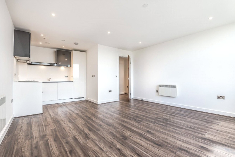 Flat/apartment to rent in Basingstoke - Churchill Place, Churchill Way, Basingstoke, RG21
