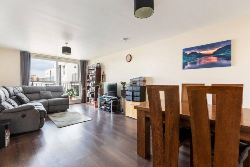 Flat/apartment for sale in Finchley - Witcomb Lodge, 64 Lankaster Gardens, East Finchley, N2