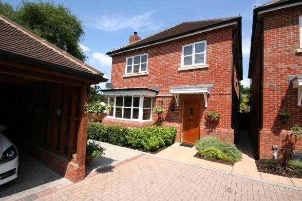 House to rent in Romsey - Spencer Gardens, North Baddesley, Southampton, SO52