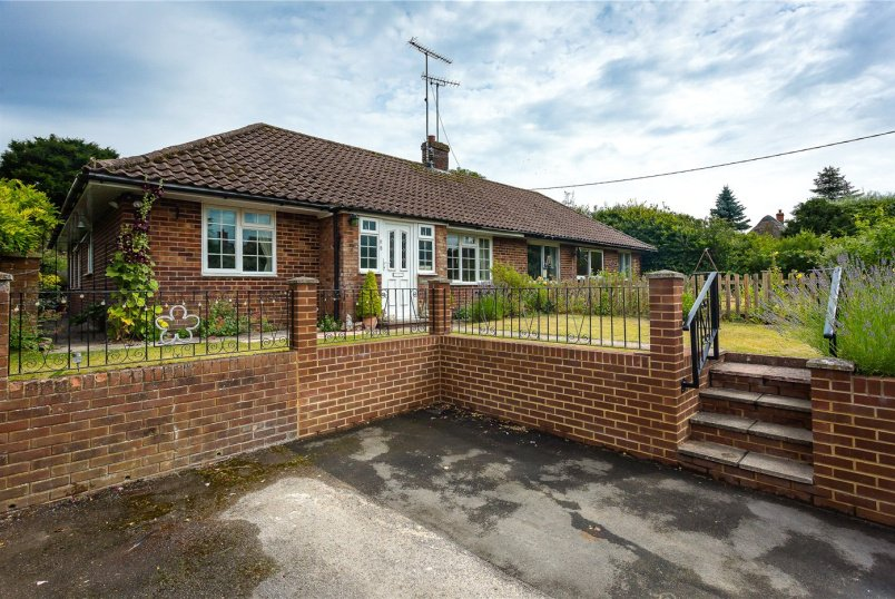 Bungalow for sale in Marlborough - Charlton, Pewsey, SN9