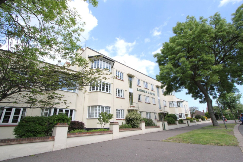 Flat/apartment to rent in Leigh-on-Sea - Linden Court, London Road, Leigh-on-Sea, SS9