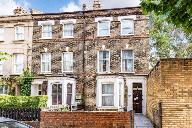 House for sale in Kentish Town - Mayton Street, London, N7