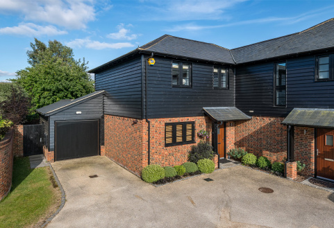 Home Farm Place, Merstham, Redhill, RH1