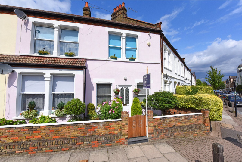 House for sale in Southfields - Standen Road, London, SW18