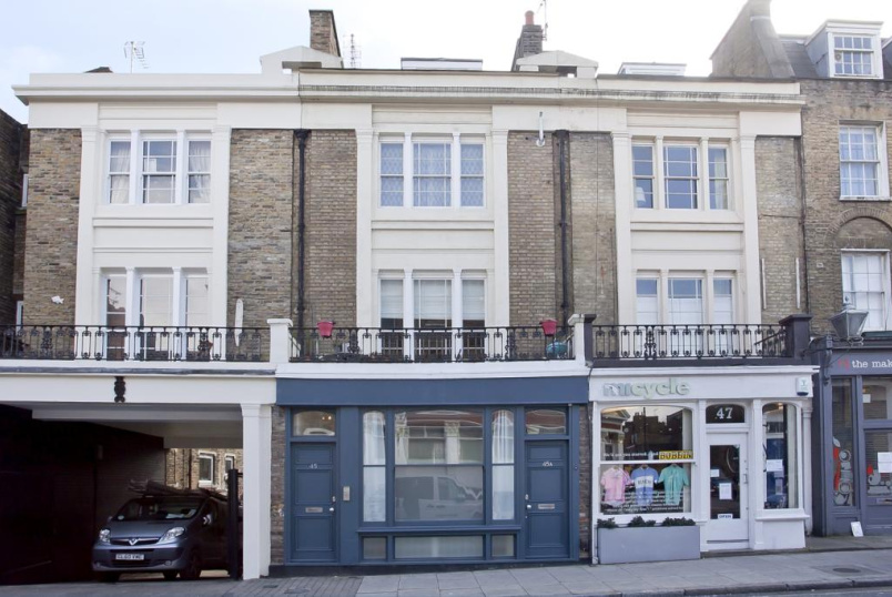 Maisonette to rent in Islington - Barnsbury Street, Angel, N1