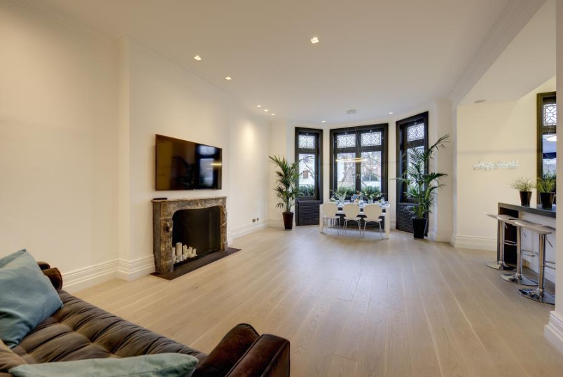 Flat to rent in St Johns Wood - HAMILTON TERRACE, NW8 9QX