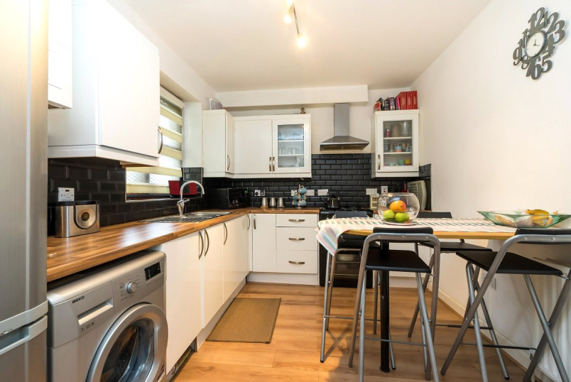 Flat/apartment for sale in Kentish Town - Loreburn House, Holloway Road, London, N7