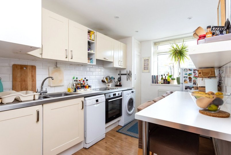 Flat/apartment for sale in Kentish Town - Hazel House, Maitland Park Road, London, NW3