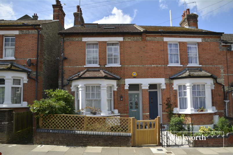 House to rent in  - Falkland Road, High Barnet, Herts, EN5