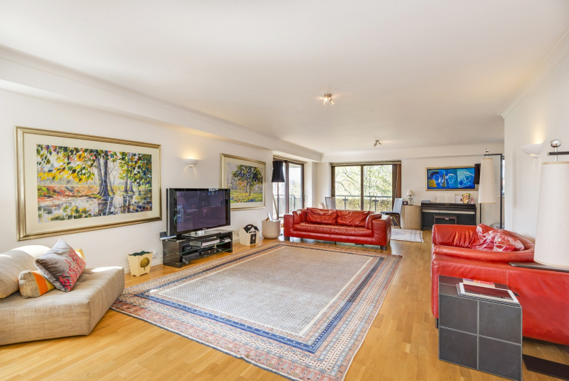Flat to rent in St Johns Wood - PRINCE REGENT COURT, AVENUE ROAD, NW8 7RB