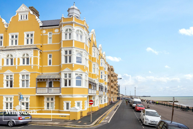 Flat/apartment for sale in Brighton & Hove - St Aubyns Mansions, Kings Esplanade, Hove, BN3