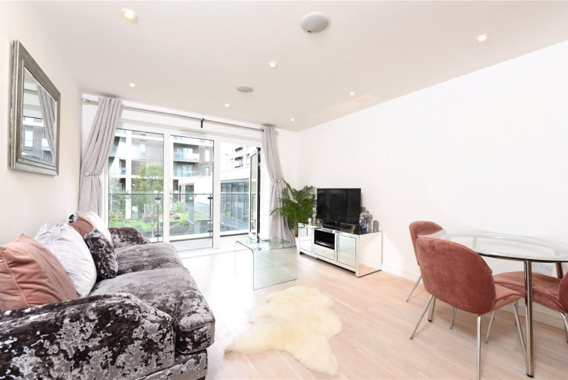 Flat/apartment for sale in  - Kennet House, 8 Enterprise Way, London, SW18