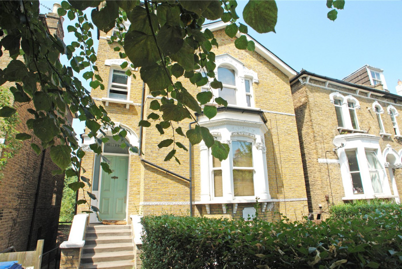 Flat/apartment to rent in Dulwich - Barry Road, East Dulwich, SE22