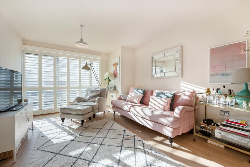 Flat for sale in Clapham - MACAULAY ROAD, SW4