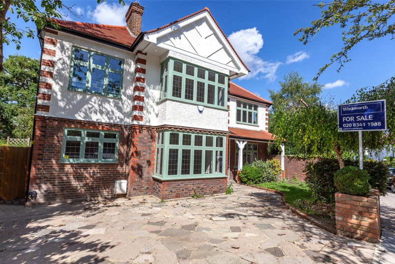 House to rent in Highgate - Lanchester Road, London, N6