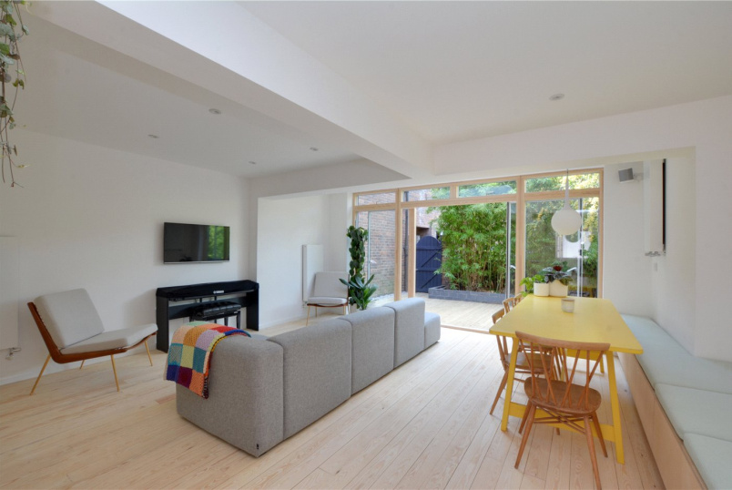 House for sale in Greenwich - Mary Ann Gardens, London, SE8