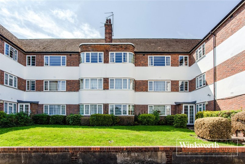 Flat/apartment for sale in Finchley - Doran Manor, Great North Road, East Finchley, N2