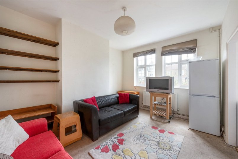 Flat/apartment to rent in Tooting - Park Hill Court, Beeches Road, London, SW17