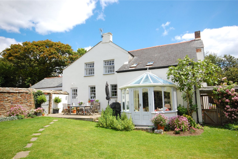 House for sale in Fowey - Lankelly Farmhouse, Lankelly Lane, Fowey, PL23