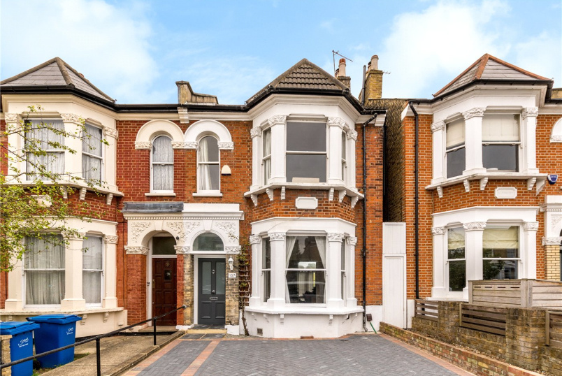 House for sale in Dulwich - Friern Road, East Dulwich, SE22